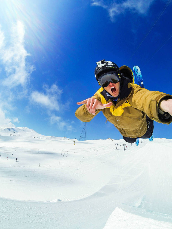 Full_height_130416_ski_tom_wallisch_laax_g0062651